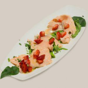 salmone-marinato-alle-fragole