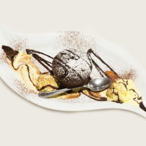 soufflè-al-cioccolato-con-gelato-alla-crema